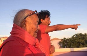 法王南开诺布在西火山营与弟子们道别