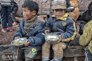 瓦卡学校——他们并不愿意在户外用餐