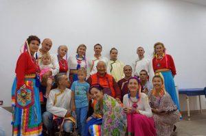 南开诺布仁波切在大加那利岛的研讨会和同修会开塔舞表演
